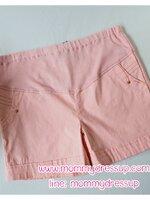 กางเกงขาสั้นสีชมพู มีกระดุมทอง 1 เม็ดตรงกระเป่า ผ้านิ่มใส่สบายค่ะ เอวปรับระดับได้ตามอายุครรภ์