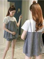ชุดเซ็ตคลุมท้อง เสื้อยืดสีขาวเย็บต่อกับผ้าลายเส้นเทาดำสายเดี่ยว + กางเกงพยุงหน้าท้องลายเส้นสีเทาดำ เอวปรับระดับได้ตามอายุครรภ์ น่ารักมากๆค่ะ