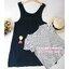 เซ็ตเอี้ยมคลุมท้องสีกรมเข้ม สกรีนรูปผู้หญิงที่กระเป๋า+เสื้อยืดลายขวางสีขาวดำ มีสายผูกหลัง ผ้านิ่มใส่สบาย thumbnail 3
