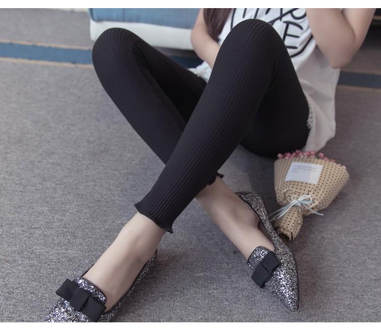 กางเกงเลกกิ้งผยุงหน้าท้องผ้าทอลายเส้นสีดำ ปลายขาไร่ขอบ แนวๆน่ารัก เอวปรับระดับได้