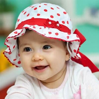 หมวกปีกเด็กผู้หญิงลายจุดแดง ด้านหลังเป็นยางยืดผูกโบว์ สำหรับเด็ก1-6เดือนน่ารักมากๆค่ะ