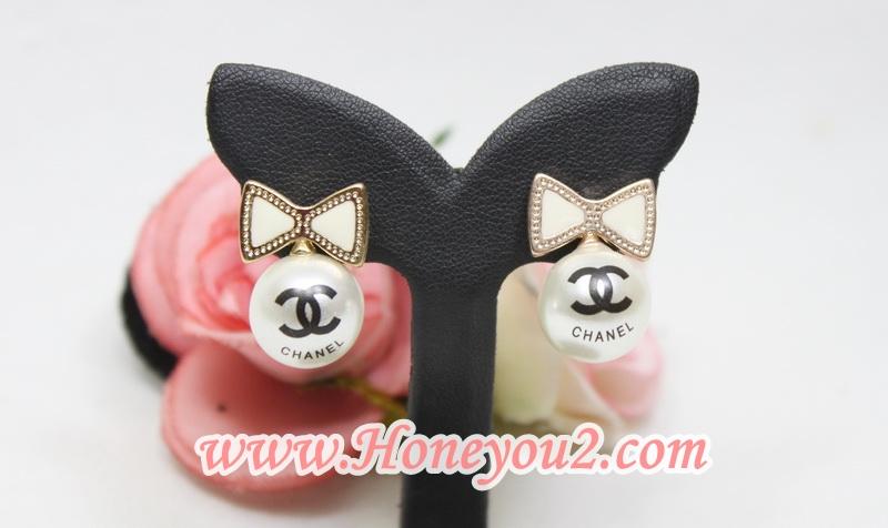 ต่างหู โบขาวห้อยมุก พิมพ์ Chanel