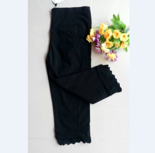 กางเกงคลุมท้อง 5ส่วน สีดำปลายขาแต่งระบาย มีพยุงหน้าท้อง เอวมีสายปรับระดับได้ มีsize XL, XXLจร้า