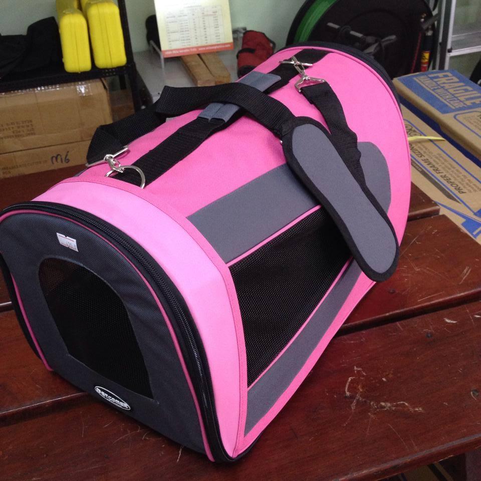 กระเป๋าหิ้วใส่น้องหมา ยี่ห้อ PetComer รุ่น B size S