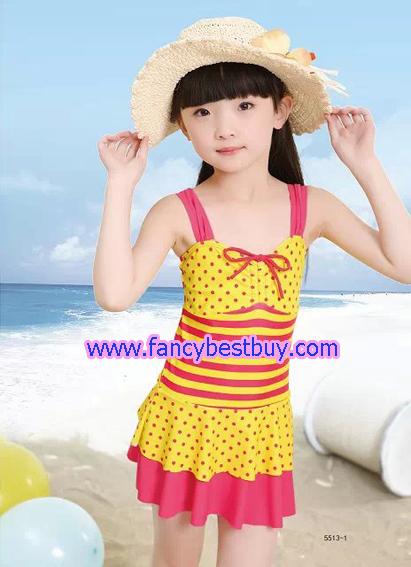 ชุดว่ายน้ำเด็กหญิง แบบ 1 ชิ้น สีชมพู มีขนาด L