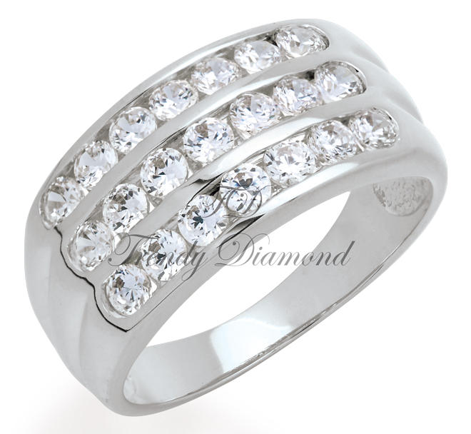 แหวนเพชรCZ เพชรสวิส แหวนล็อก 3 แถว สีทองคำขาว
