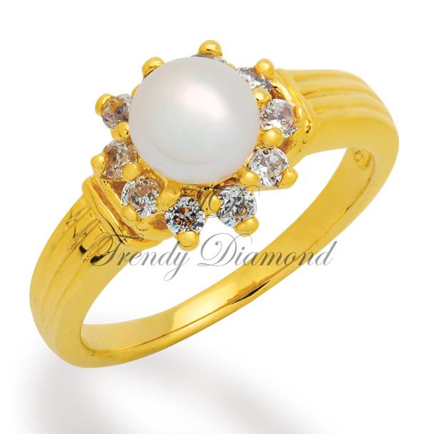 แหวนเพชร แหวนมุกล้อมเพชร สีทอง