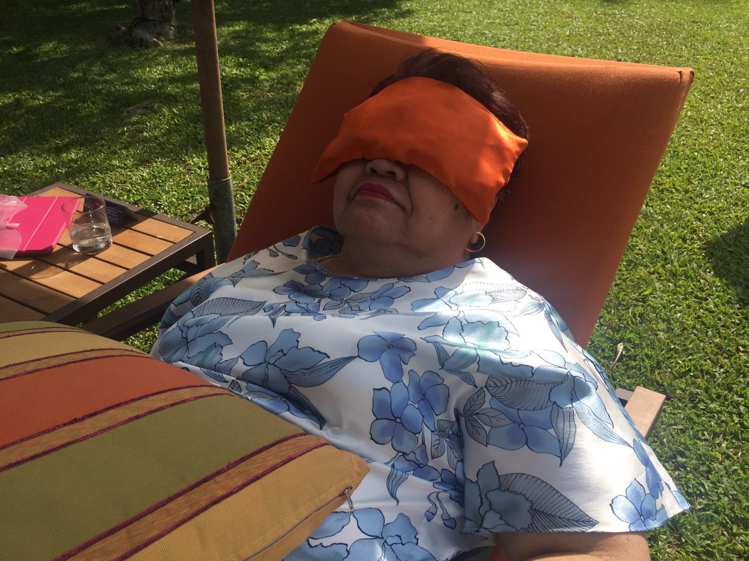 ประคบร้อนและเย็นด้วยสมุนไพร ช่วยคลายเครียด แก้ปวดหัวข้างเดียว ปวดหัวไมเกรน ไซนัส