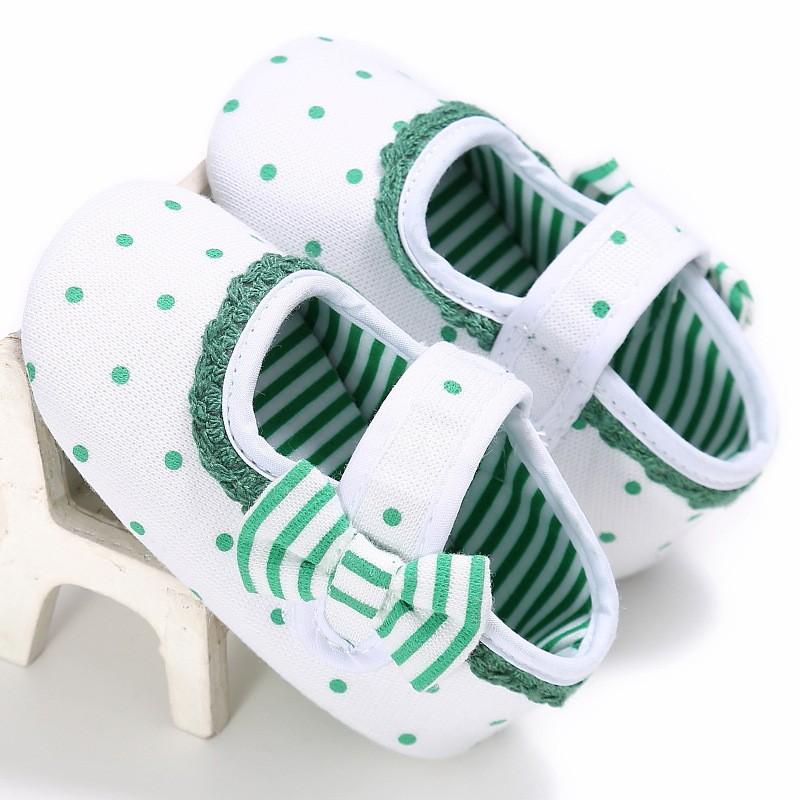 รองเท้าเด็กอ่อน 0-12เดือน รองเท้าเด็กชาย เด็กหญิง ลาย จุดเขียว