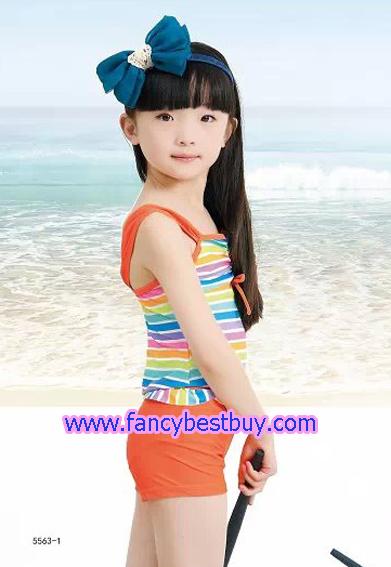 ชุดว่ายน้ำเด็กหญิง แบบ 2 ชิ้น เสื้อ+กางเกง สีส้ม มีขนาด L