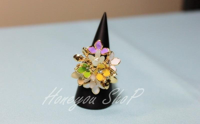 แหวนพุ่มดอกไม้