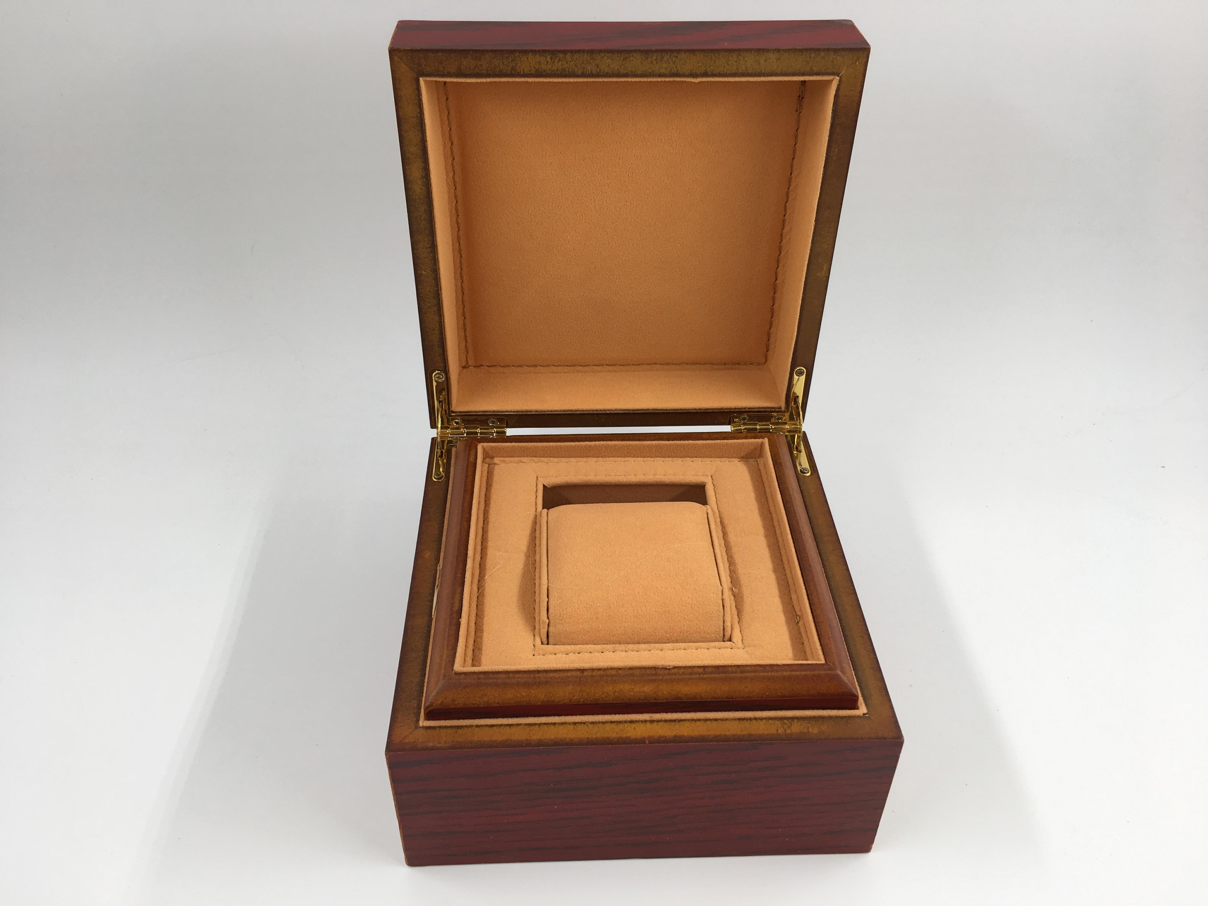 กล่องใส่นาฬิกาแบบ 1 เรือน งานไม้ แนววินเทจ