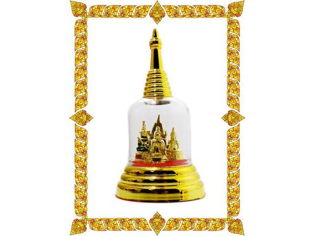 พระคู่บ้าน คู่รถ ประกอบด้วย พระพุทธชินราช หลวงพ่อโสธร พระแก้วมรกต