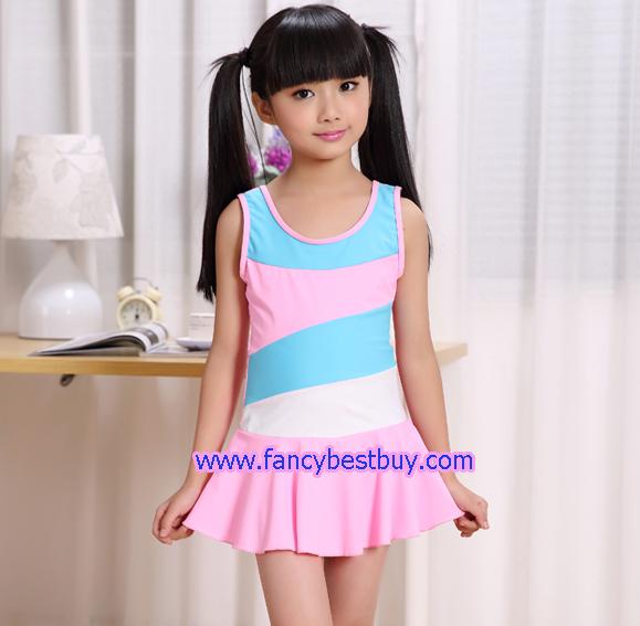 ชุดว่ายน้ำเด็กหญิง แบบ 1 ชิ้น สีชมพูอ่อน มีขนาด L, XL