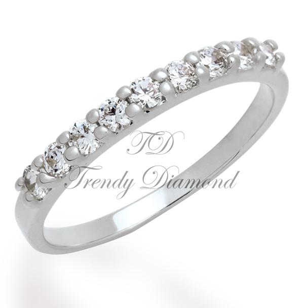 แหวนเพชรเตยครึ่งวง 9 เม็ด สีทองคำขาว
