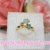 แหวนช่อดอกไม้สีเขียว