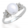 แหวนเพชร แหวนมุกประดับพิกุล สีทองคำขาว