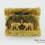 ของที่ระลึกไทย แม่เหล็กติดตู้เย็น ลวดลายช้างคู่รัก วัสดุเรซิ่น ชิ้นงานปั้มลายเนื้อนูน ลงสีสวยงาม