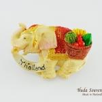 ของที่ระลึกไทย แม่เหล็กติดตู้เย็น ลวดลายช้างและตะกร้าผลไม้ที่เอวช้าง