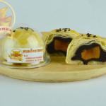 เปี๊ยะโคตรทอง(ไส้ถั่วดำ+ไข่แดง) 蛋黄酥(豆沙+蛋黃)