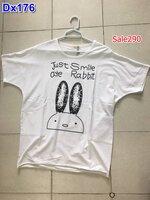 #สินค้าลดราคา #เสื้อยืดสีขาว คอกลมแขนสั้น ปักลายกระต่ายน่ารัก มีกระเป๋าล้วง 2 ข้าง ผ้านิ่มๆใส่สบาย