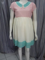 #เดรสกระโปรงผ้าซีฟอง แขนตุ๊กตา คอปกสีเขียว ตัวเสื้อสีชมพู กระโปรงสีขาว ปลายสีสีเขียว ยางสม๊อกรอบเอว น่ารักค่ะ ผ้าเนื้อดี เข้ารูป น่ารักค่ะ