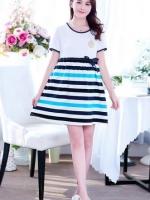#Dressกระโปรง ผ้ายืด ด้านบนสีขาว แขนสั้น ด้านล่างเป็นลายขวางสีขาวสลับฟ้ากรม ผ้าเนื้อนิ่มใส่สบายมากๆคะ
