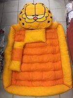 #ที่นอนเด็กแฟนซี่ ลายกาฟิว สีเหลือง ทำจากวัสดุเกรด A งานพรีเมี่ยม เนื้อเบอะหนานุ่ม นอนได้อย่างสบายค่ะ ตั้งแต่ทารกแรกเกิด ถึง 7 ขวบ ขนาด 80*120 ซม ***