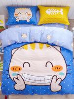 #ชุดผ้าปูที่นอน มีผ้าปูที่นอน1ผืน ปลอกหมอน2ชิ้น และผ้าห่ม1ผืน ลายแมวยิ้มและก้างปลา