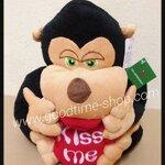 ตุ๊กตาลิงหัวใจ kiss me นั่ง น่ารักมาก