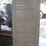 **มีจำนวนมาก ซื้อเยอะลดอีก**มือสองสภาพดี สำหรับตกแต่งต่อเติม**ประตู,บานเกล็ด เลื่อน 0.78 เมตร x 1.92 เมตร เป็นไม้สัก บานเปิดได้ ไม่มีวงกบ สีขาว