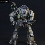 Play Arts - Atlas Titanfall PVC Figure
