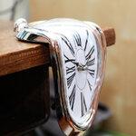นาฬิกาละลาย Melting clock