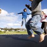 เล่นแทรมโพลีน ได้ทั้งความสนุก และเพิ่มทักษะทางร่างกายให้กับคุณได้รอบด้าน